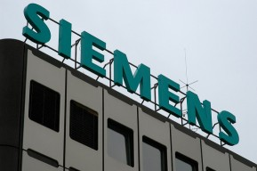 Siemens and the City of Erlangen Tap Refugee Talent with Internship Program, Training both Newcomers and their Colleagues